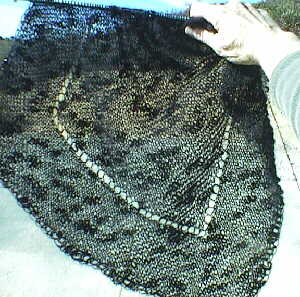 [Simple Slant Shawl partly knitted]